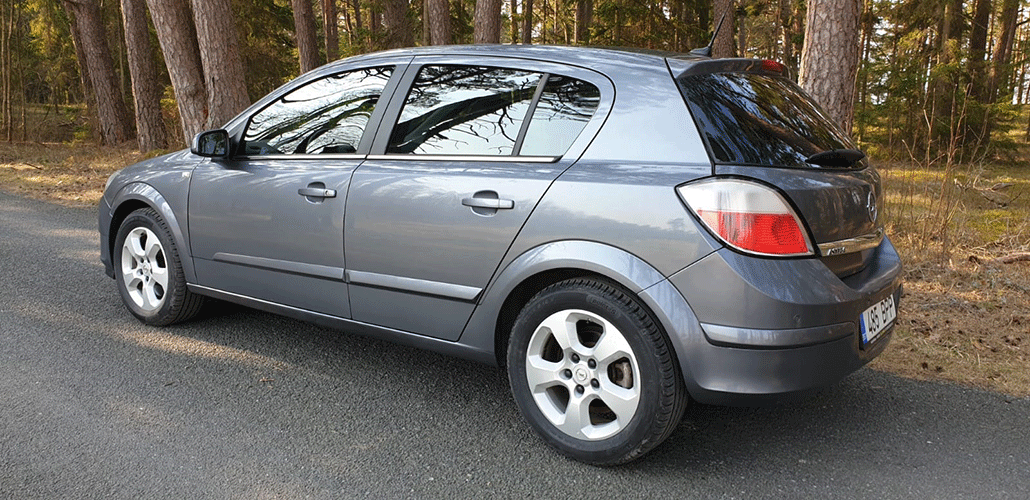 Opel-Astra-2.0